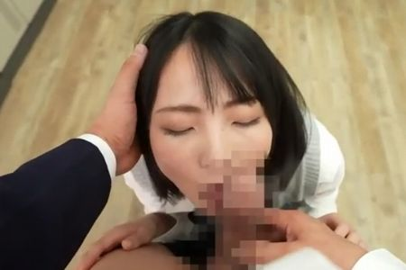 美少女[美ノ嶋めぐり]の唇を竿に優しく押し付ける男子生徒